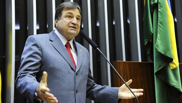 Após País pagar R$ 1 trilhão de juros, Halum defende auditoria da dívida