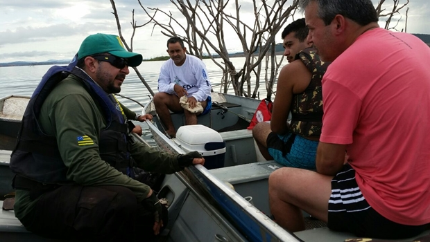 Operação autua quatro pessoas por pesca predatória no Lago Serra da Mesa