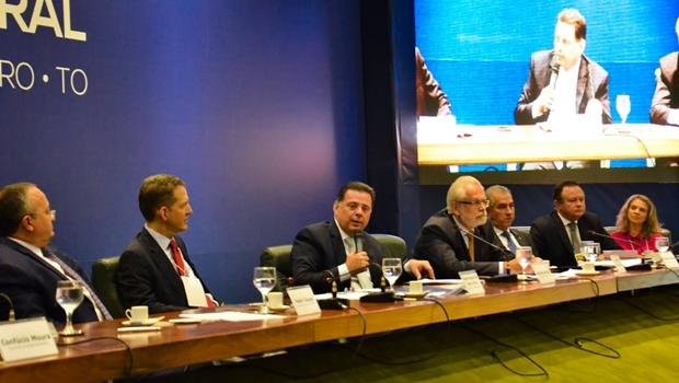 Marconi transfere a Pedro Taques presidência do Consórcio de Desenvolvimento do Brasil Central