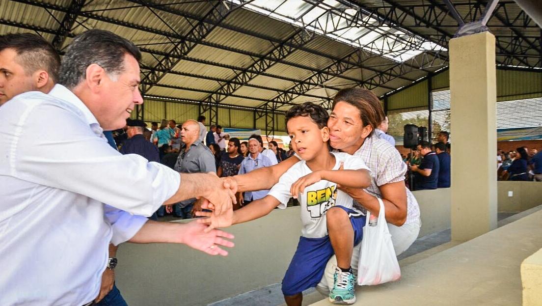 Marconi e Zé Eliton entregam mais uma escola Padrão Século XXI em Valparaíso de Goiás