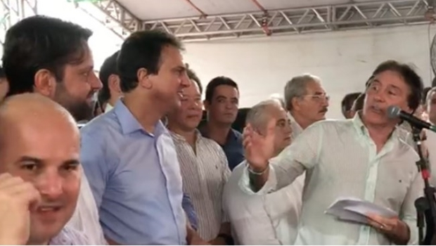 Presidente do Senado, Eunício pede para Baldy continuar ministro
