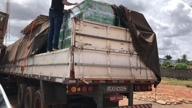 Polícia recupera caminhão carregado de cerveja roubada em Goiás