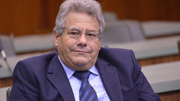 Senador Luiz Carlos do Carmo pode trocar o MDB pelo DEM?