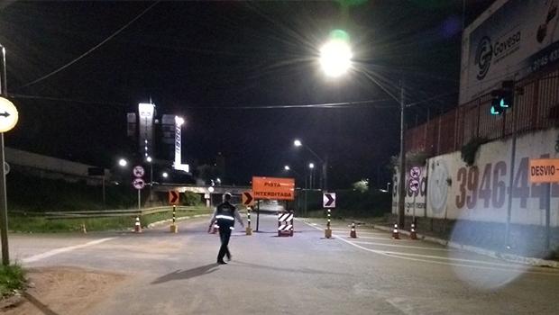 Botafogo é interditada entre as Avenidas Independência e Anhanguera nos dois sentidos