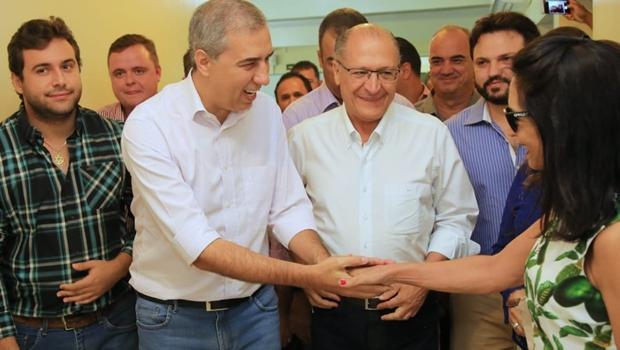 Ao lado de José Eliton, Geraldo Alckmin visita feira de agronegócio em Goiás