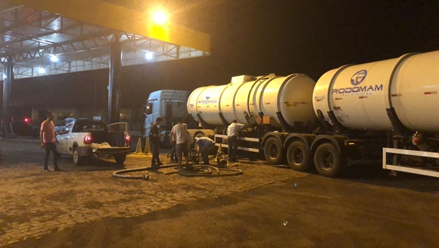 Polícia recupera carga roubada de 60 mil litros de combustível em Goiás