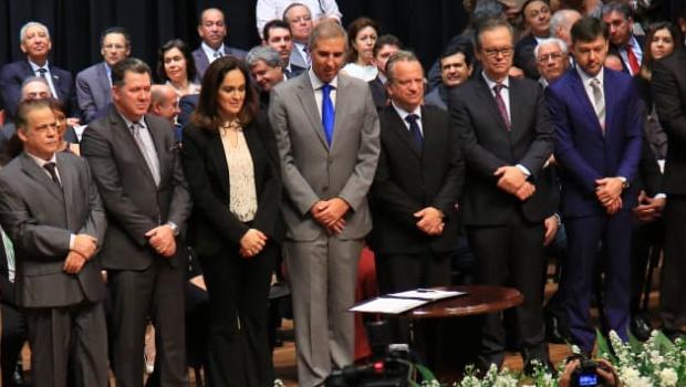 Zé Eliton dá posse ao novo secretariado com foco no equilíbrio das contas públicas
