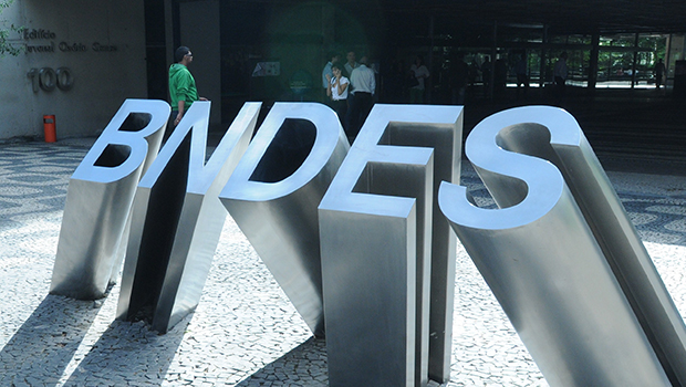 BNDES agenda repasse de R$ 148 bilhões para governo em agosto deste ano