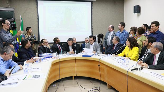Câmara de Goiânia cria comissão temporária para investigar Saúde até 2020