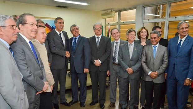 José Eliton reconhece importância do Judiciário e destaca harmonia entre poderes