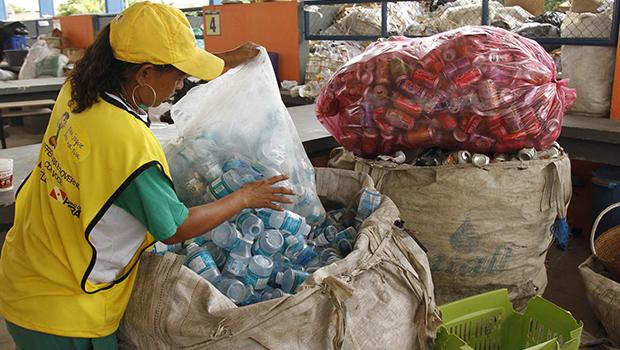 Reciclagem e coleta seletiva: saiba como destinar corretamente seu lixo em Goiânia