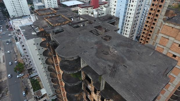 Polícia afirma que prédio abandonado em Goiânia corre risco de desabamento