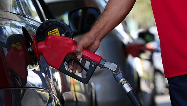 Aumento do combustível em postos de Goiás não tem justificativa aceitável, diz Sindiposto