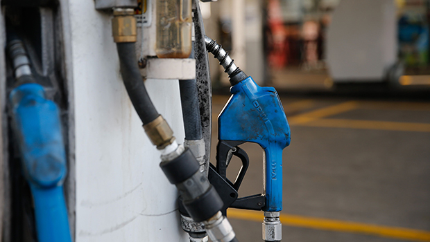 Sancionada lei que cassa licença de posto de combustível com bomba de abastecimento adulterada