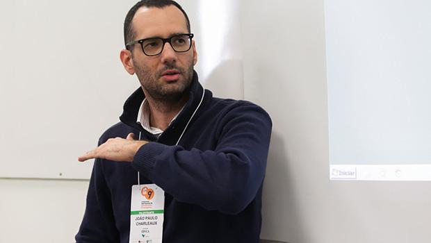 João Paulo Charleaux estreia no Roda Viva emparedando Raul Jungmann