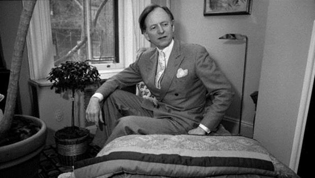 Tom Wolfe, mestre do Novo Jornalismo, morre aos 87 anos