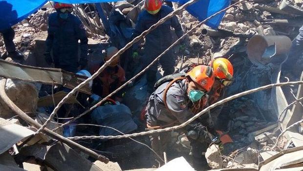 Bombeiros encerram buscas no local do desabamento de prédio em São Paulo