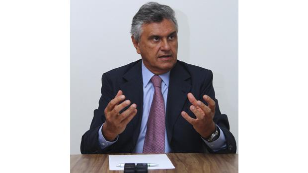 Caiado continua trabalhando para dividir o MDB de Daniel Vilela