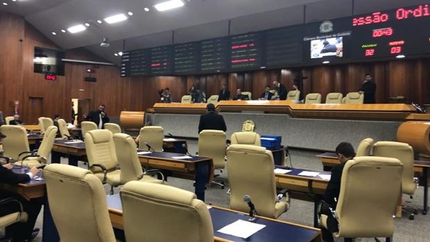 Maioria de vereadores de Goiânia que disputam eleição não vai se licenciar da Câmara