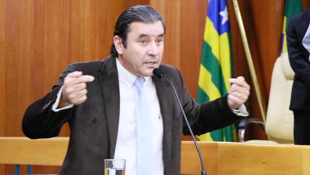 Diante de aumento de impostos, Clécio Alves questiona dados financeiros da Prefeitura