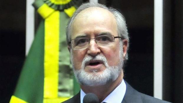 Tribunal nega recurso e determina prisão de ex-governador de Minas Gerais