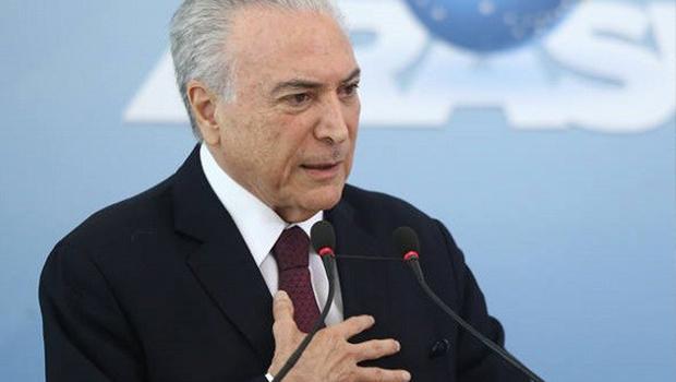Em Congresso, Michel Temer elogia gestão Bolsonaro e critica postura de Lula