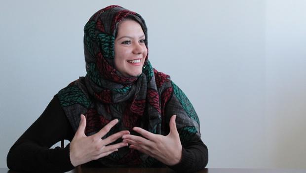 Goiana se solidariza com muçulmanas e usa véu islâmico durante o mês do Ramadã