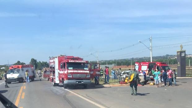 Vítimas ficam presas às ferragens em grave acidente na GO-060