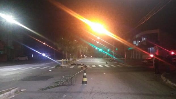 Homem morre após acidente entre motos em Goiânia