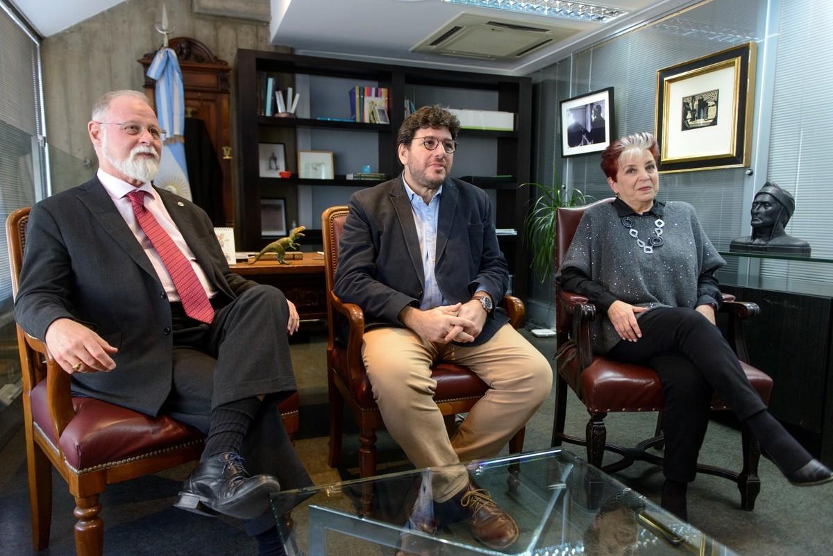 Alberto Manguel deixa a Biblioteca Nacional de Buenos Aires