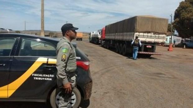 Fisco autua cargas de grãos sem notas no Entorno do Distrito Federal