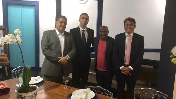 Lideranças do PRB se reúnem com José Eliton e defendem permanência na base