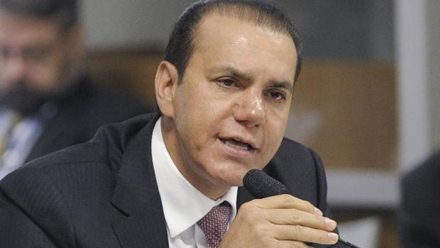 Ataídes sinaliza disputa ao governo