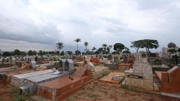 MP vai investigar situação irregular de cemitérios de Goiânia