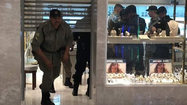 Rotam chega a suspeitos de roubo a joalheria no Goiânia Shopping