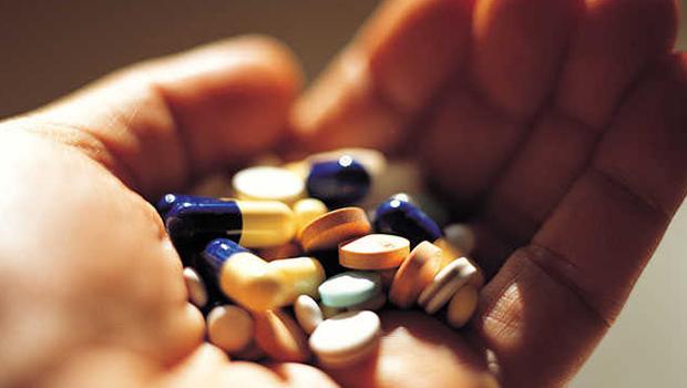 Ibuprofeno e cetoprofeno podem agravar infecções, diz agência da França