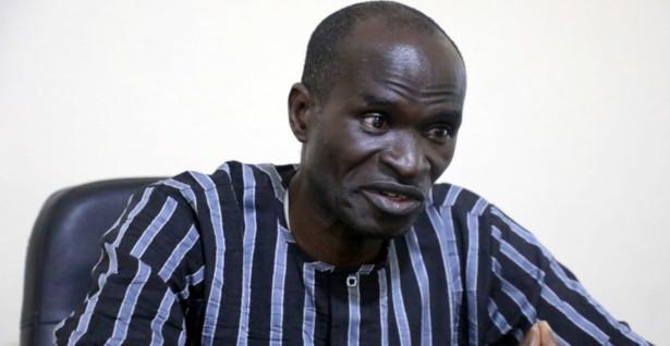 Jornalista nigeriano é solto após dois anos preso sem julgamento