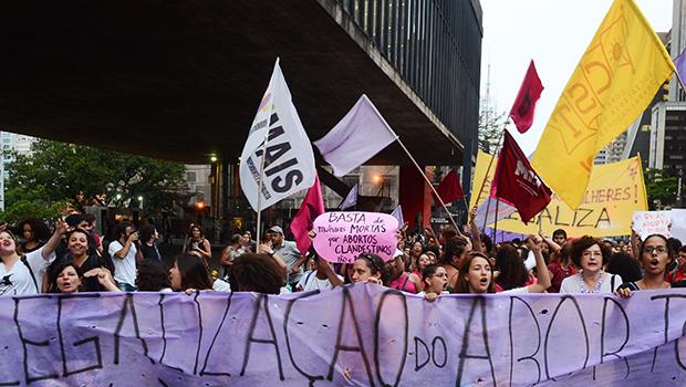 Aborto: argumentos contra e a favor da descriminalização