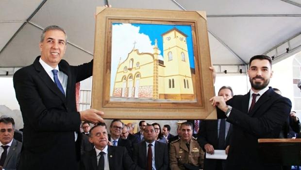 Governador transfere poderes para homenagear os 289 anos de Santa Cruz de Goiás