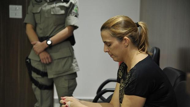 Justiça solicita que corpo de recém-nascida morta pela mãe seja enterrado após 7 anos