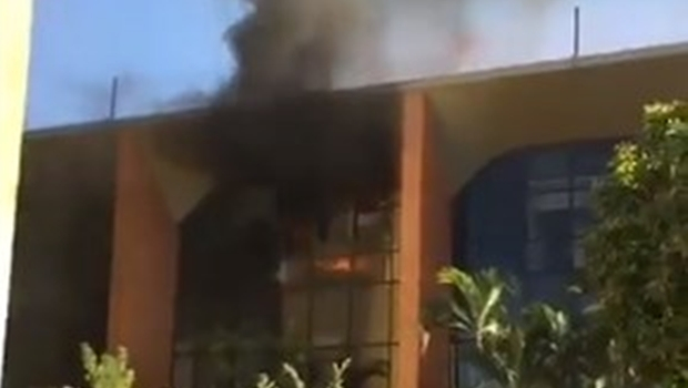 Incêndio atinge Tribunal de Justiça do Tocantins. Veja vídeo