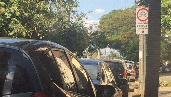 Com descaso da gestão Iris, ciclovias são ignoradas por motoristas em Goiânia