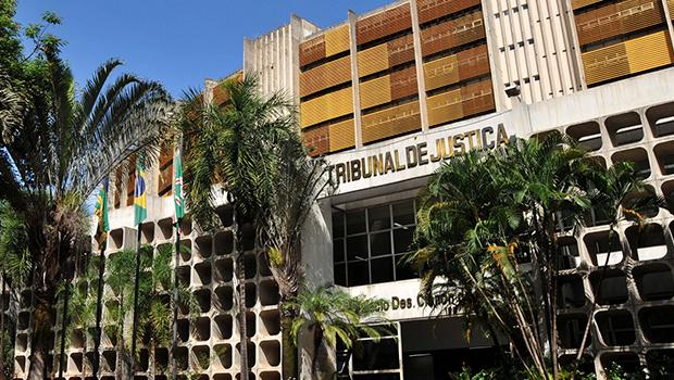 STJ e TJGO suspendem pagamento de R$ 14 milhões a ex-servidores envolvidos em fraudes