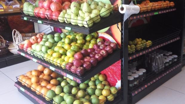Projeto obriga venda de produtos de agricultura familiar em supermercados de Goiás