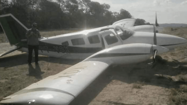 Avião com deputado Lucas Vergílio sai da pista durante pouso