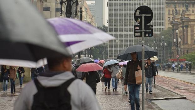 Centro-Oeste terá alta incidência de raios durante primavera, alertam especialistas