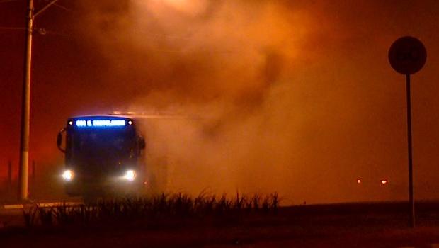 Queimada às margens de rodovia pode ter provocado acidente fatal em Goiás