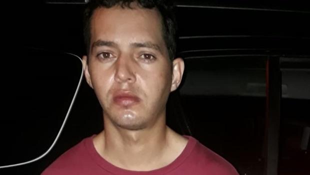 Homem é preso suspeito de matar jovem e atirar em criança em Goiânia
