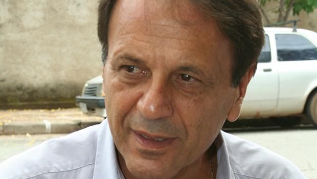 Câmara de Catalão recebe pedido de licença para prefeito Adib Elias, que está internado com Covid-19