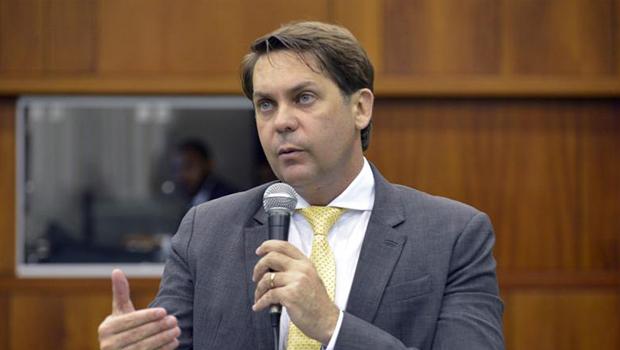 Líder do governo na Assembleia diz que Caiado convocou sessão extraordinária para terça